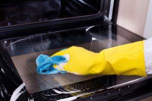 Czy wiesz jak umyć piekarnik z termoobiegiem?