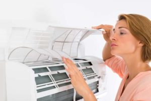 Odgrzybianie klimatyzacji w domu – jak dokonać tego samodzielnie?
