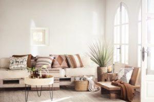 Hm Home poduszki – jakie dobrać do salonu?