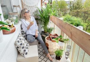 Pomysły na mały balkon w bloku – inspiracje i plan aranżacji