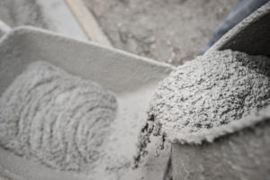 Ile waży kubik betonu? Klasa ma znaczenie!