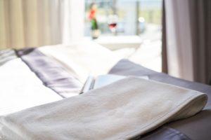 Biała sypialna – czy warto?