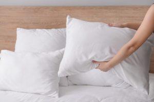 Jak wygląda pranie poduszek z pierza?